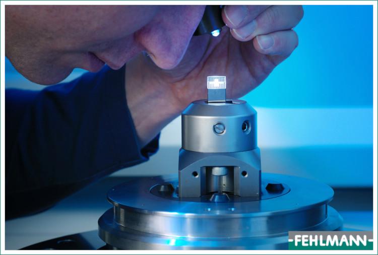 lavorazioni di alta precisione seguita con macchina CNC Fehlmann Versa